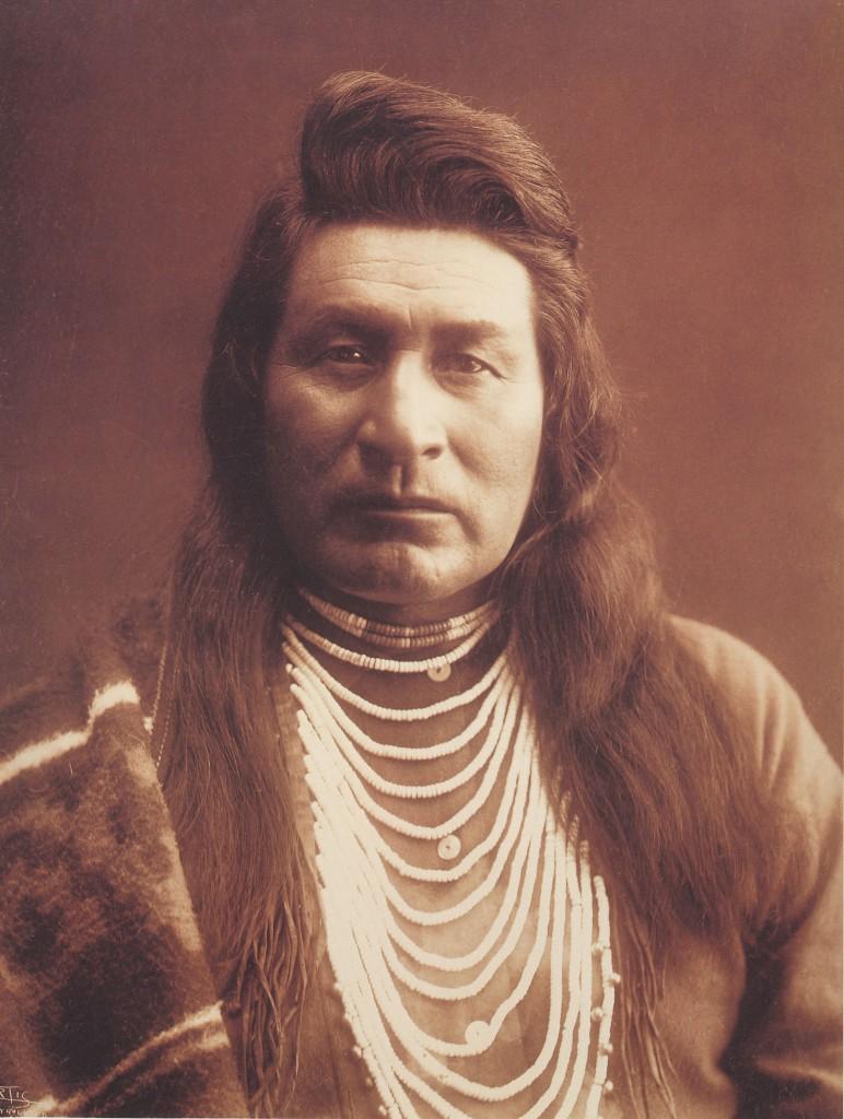 indiano e capelli lunghi2
