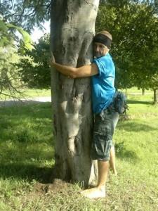 Abbracciare gli alberi FB